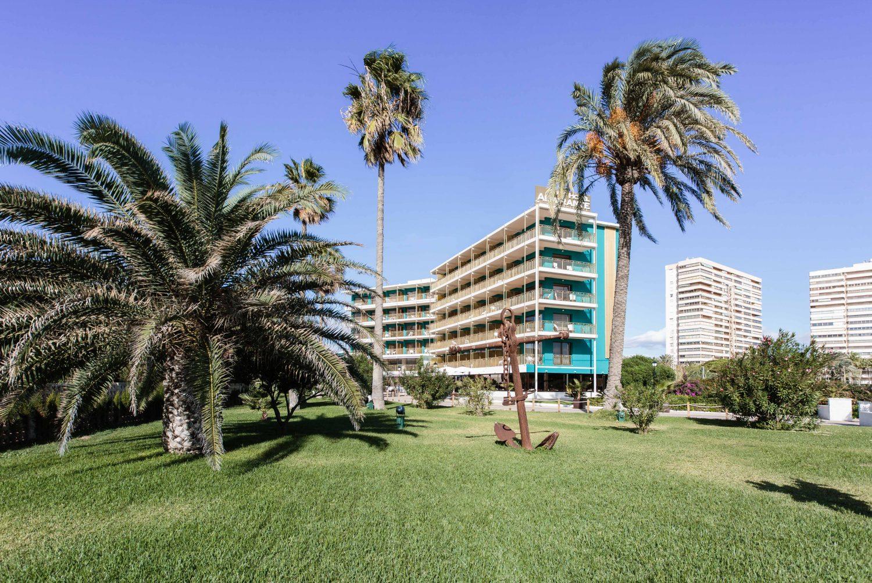 Vista exterior facahada Hotel Almirante