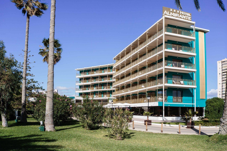 Vista fachada Hotel Almirante