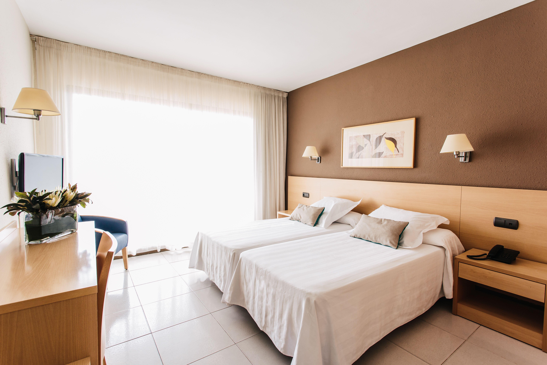 habitación camas dobles hotel almirante