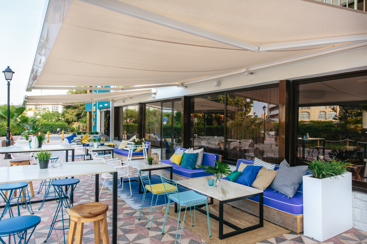 Zona exterior restaurante Pocardy Hotel Almirante