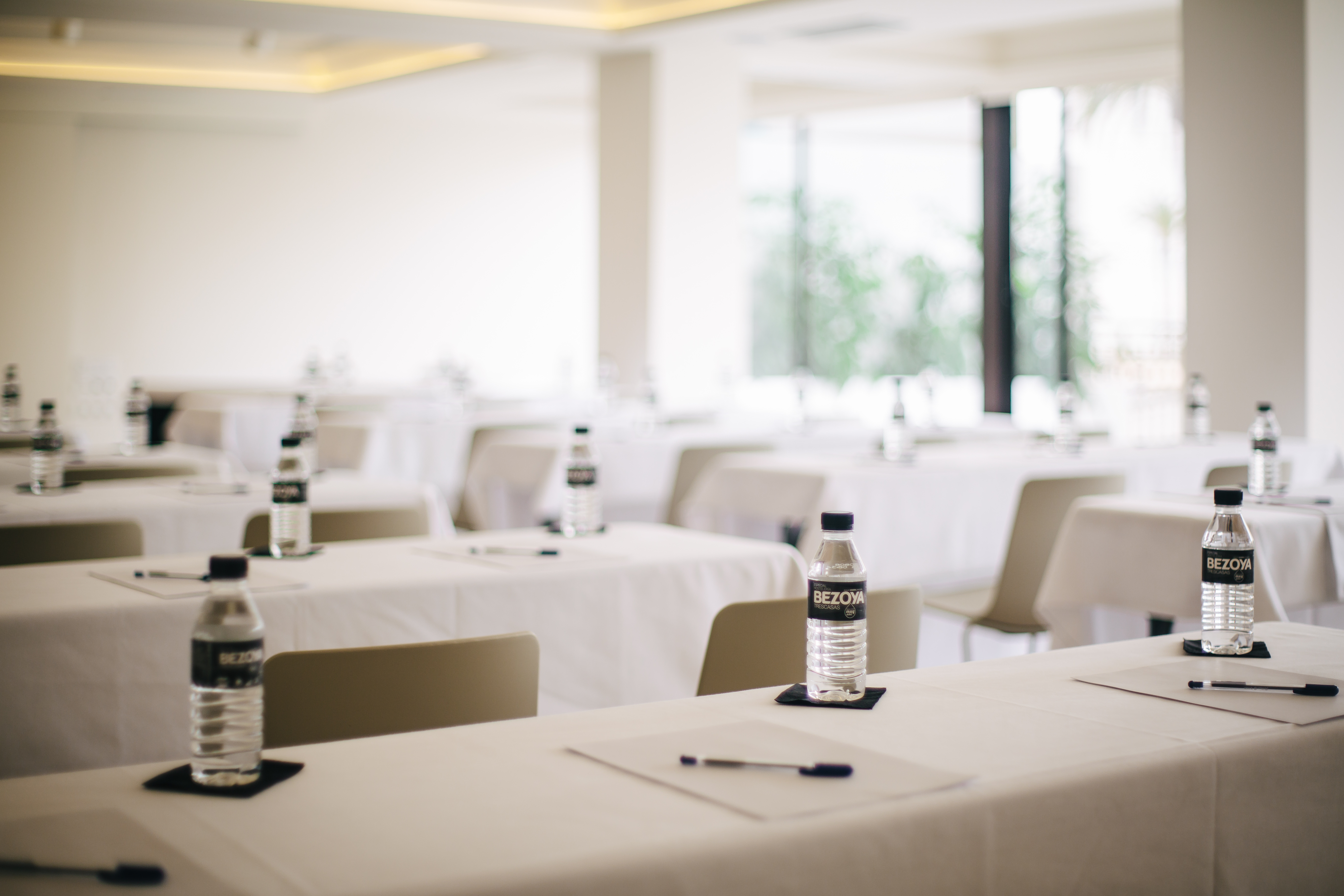 salón reunión hotel almirante